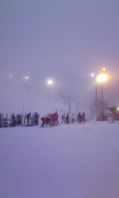 一日中雪と風